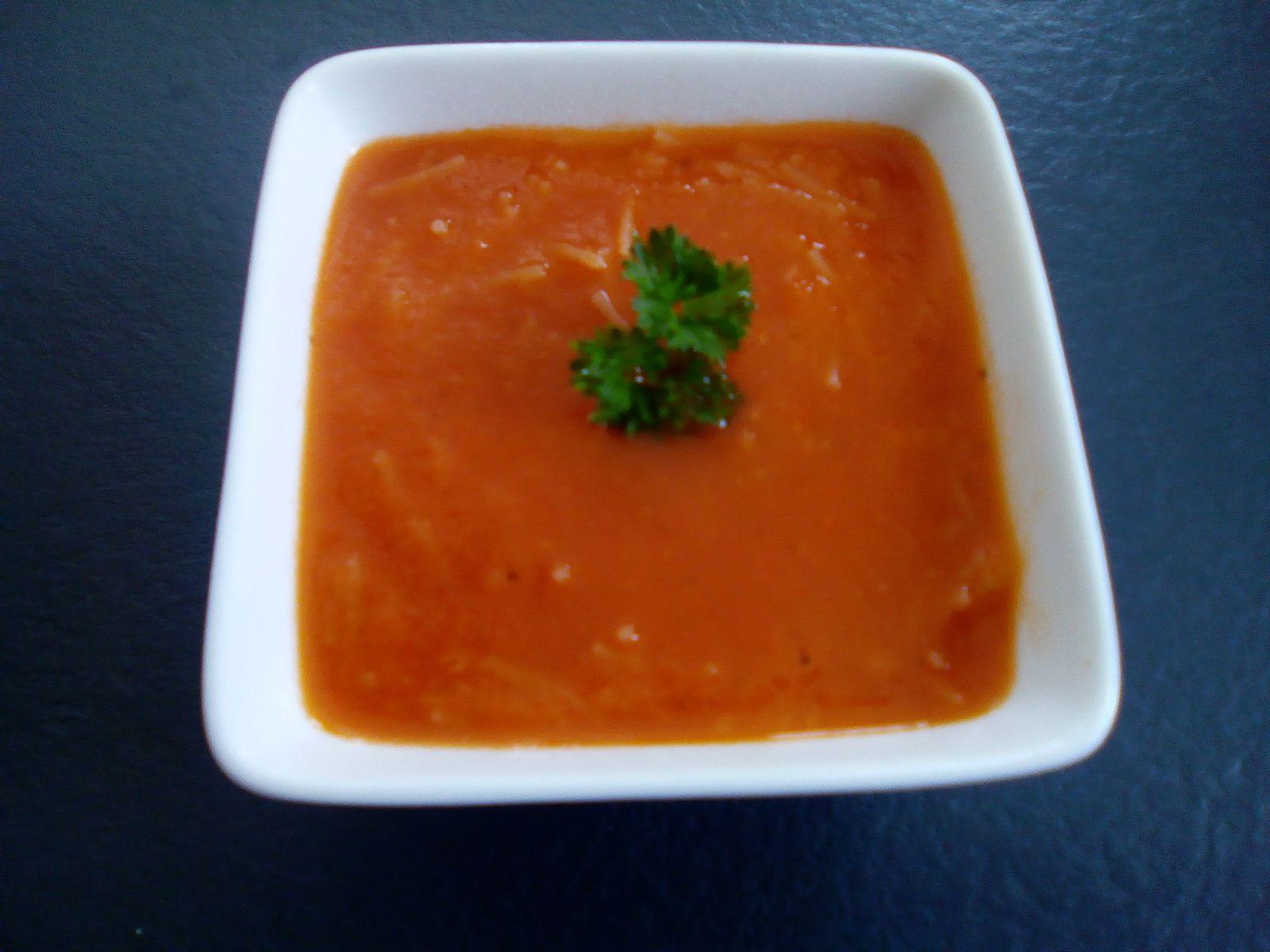 Velouté de tomates fraiches au companion