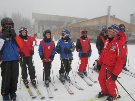 A faire aujourd'hui : sourire, dire merci, rester positif, faire un compliment, aider quelqu'un, être heureux(se). Bon ski!