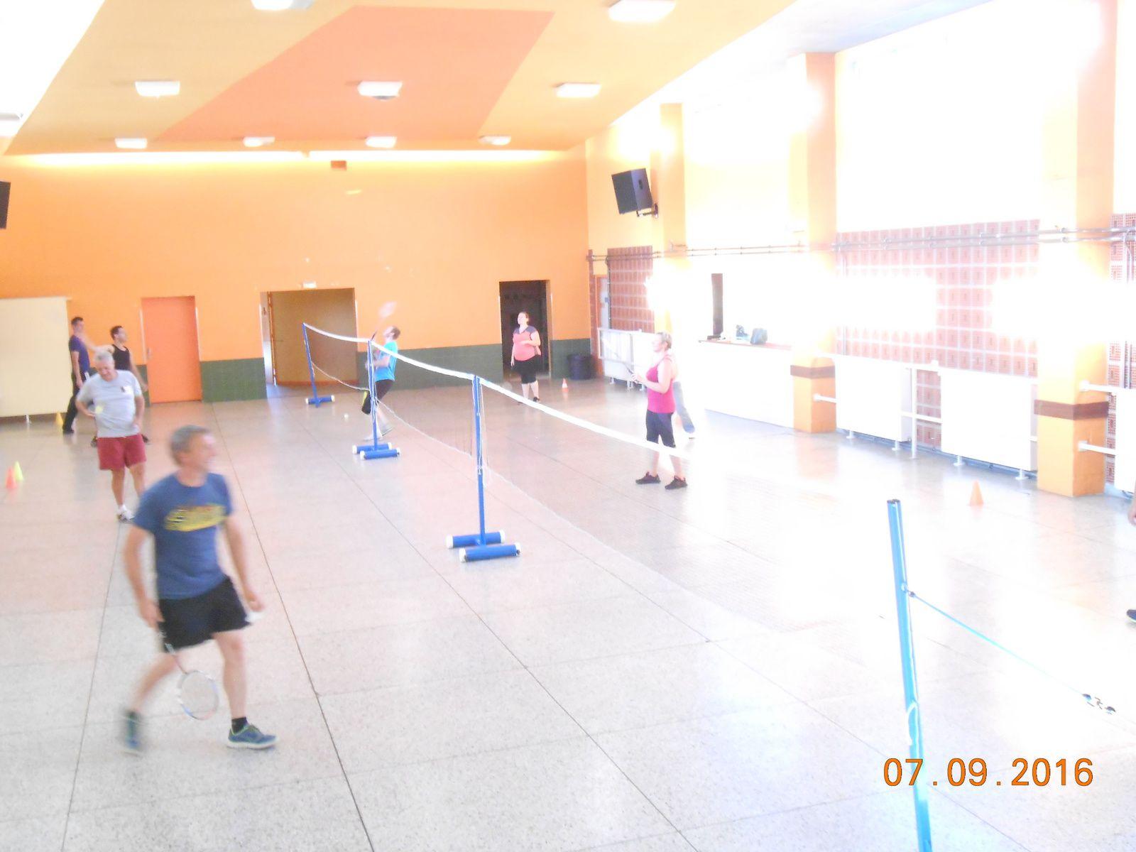 Pendant les vacances, le badminton continue