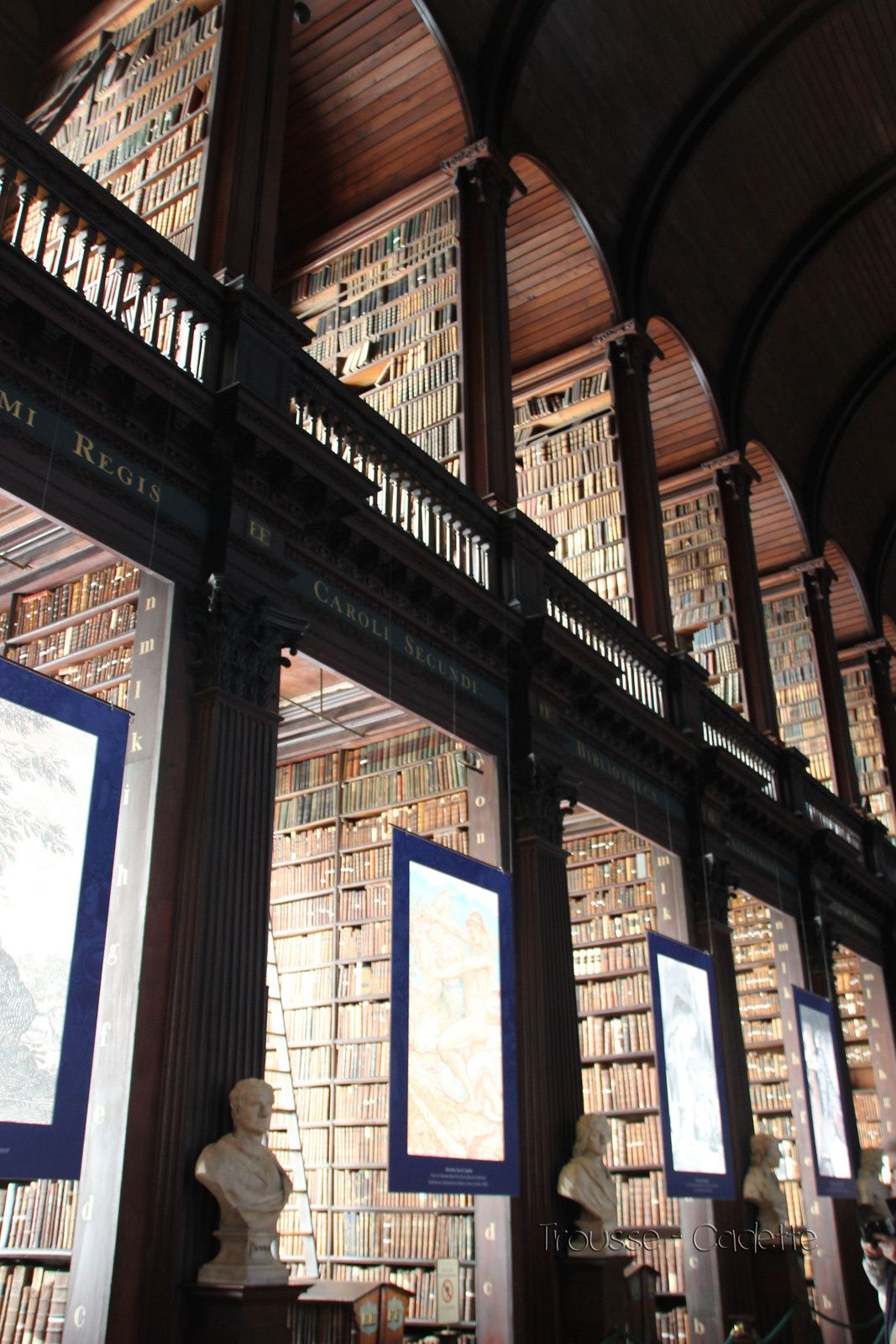 DUBLIN - TRINITY COLLEGE - OLD LIBRARY