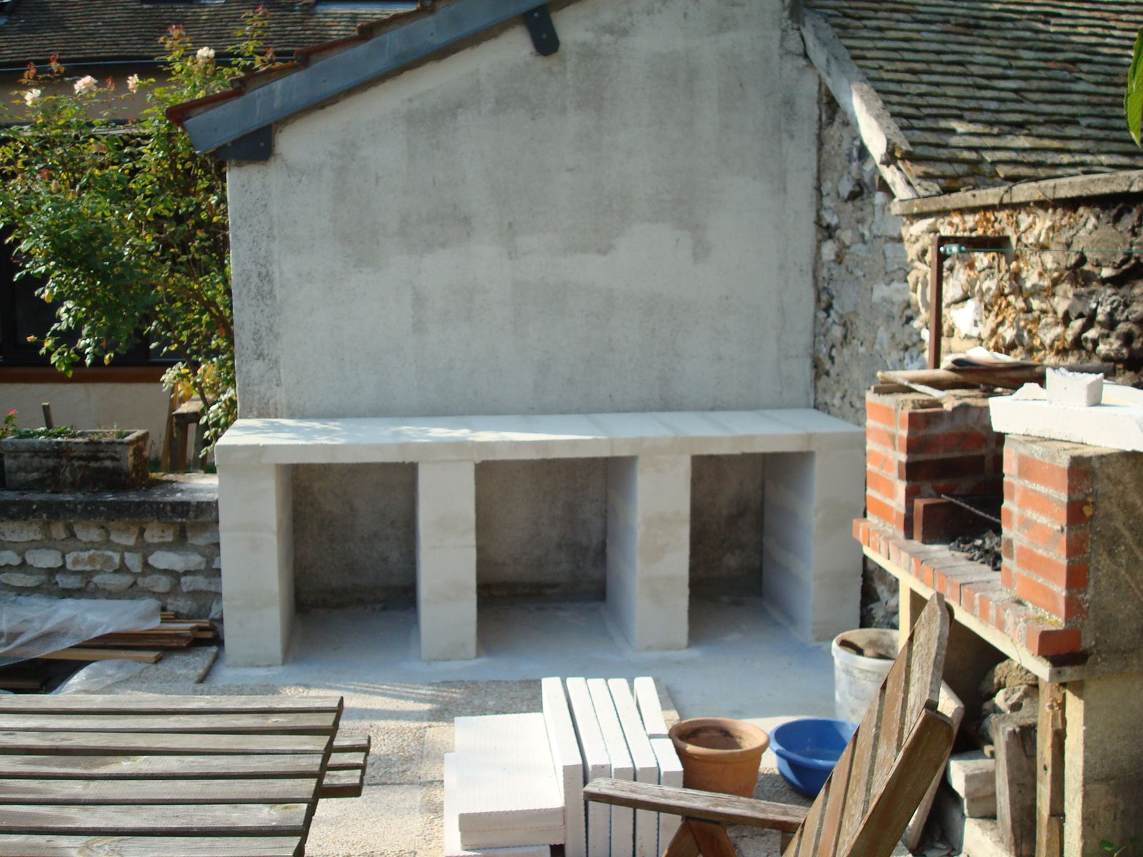 Grand Construction Du0027un Barbecue Sur Mesure