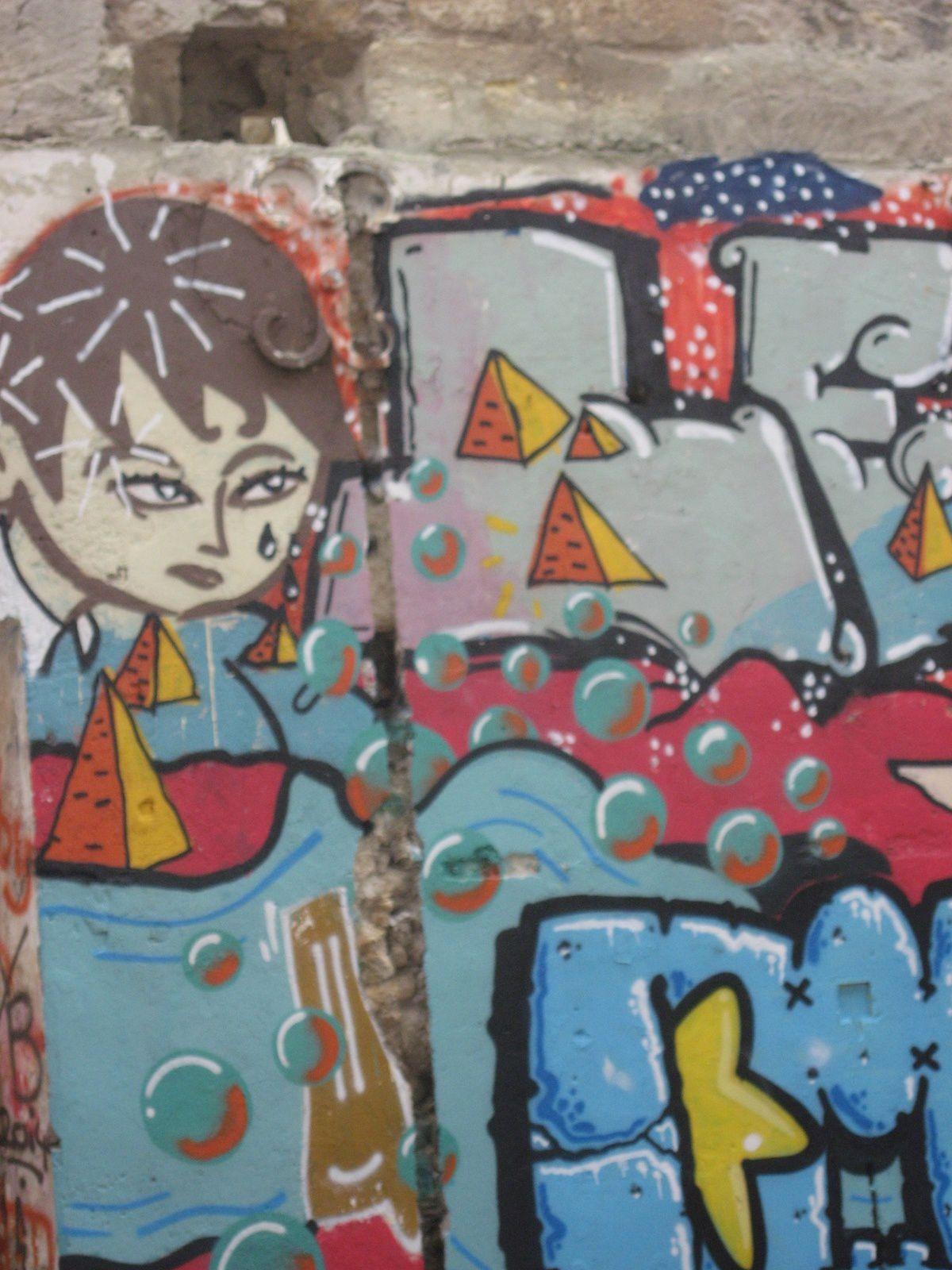 Men on walls à Bordeaux et à New York