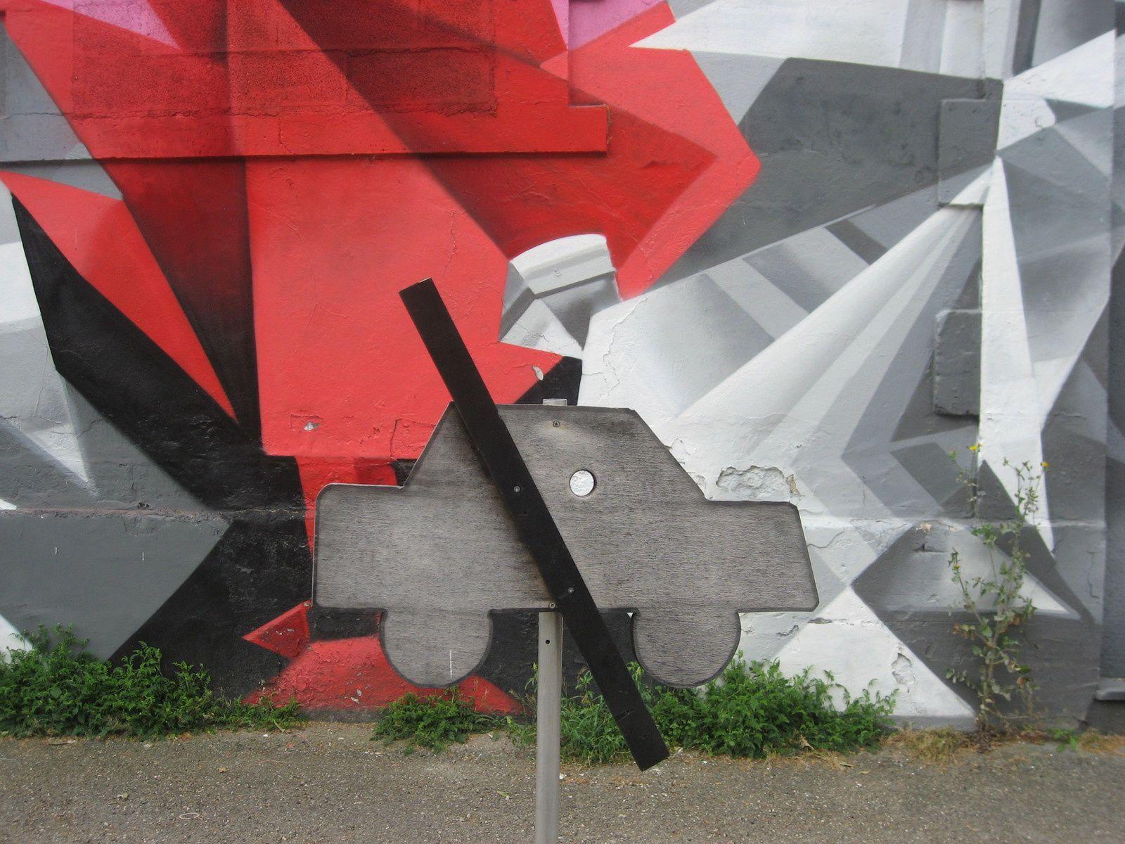 Du Pont Chaban dans le brouillard au Street Art de la Caserne Niel.