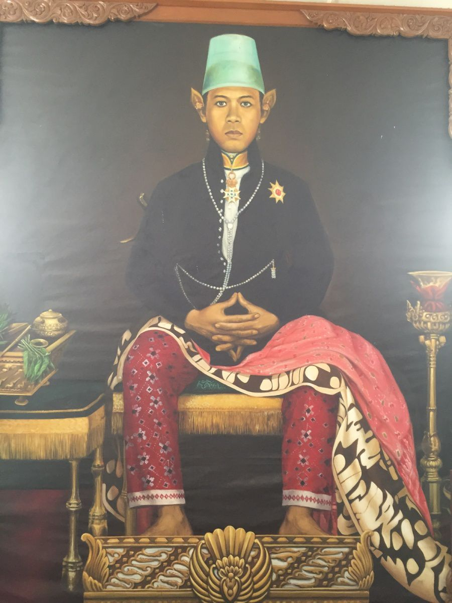 9ème sultan - ses filles habillées en garçon pour une cérémonie