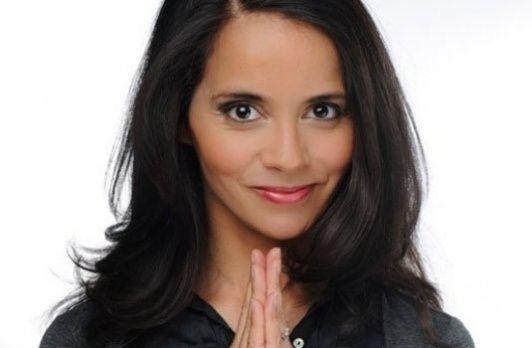 Sophia Aram donnera une interview à Thomas Hugues dimanche sur France 5