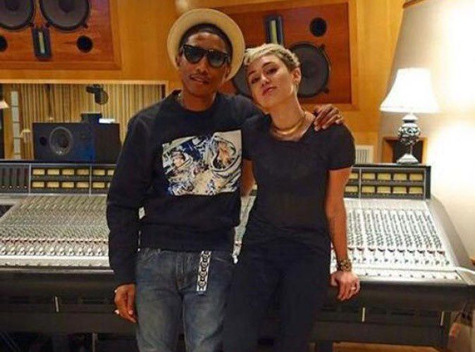 Pharrell Williams dévoile son duo avec Miley Cyrus &quot&#x3B;Come Get It Bae&quot&#x3B; !