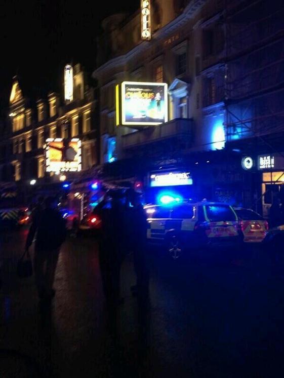 Le toit d'un théâtre s'effondre en plein spectacle à Londres !