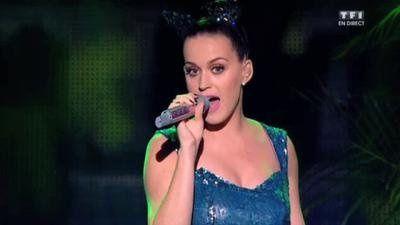 NRJ Music Awards 2014 : Gros problème technique pour Katy Perry au moment de chanter &quot&#x3B;Roar&quot&#x3B; (vidéo)
