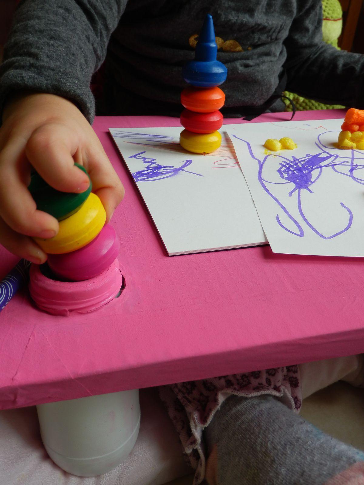 Table en carton DIY pour les enfants - le tuto