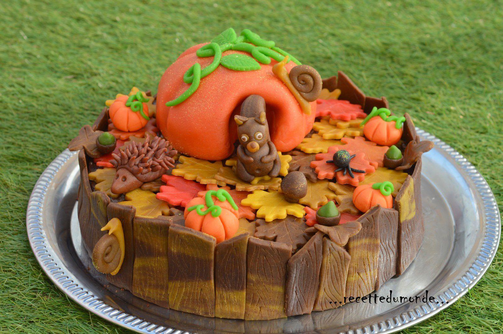 Un petit gâteau d'Automne en pâte d'Amande 3D
