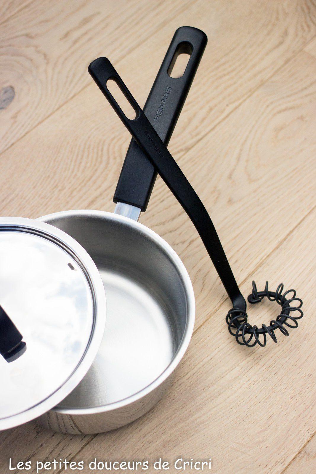 Casserole et Fouet Spirale de la gamme FunctionalForm de Fiskars