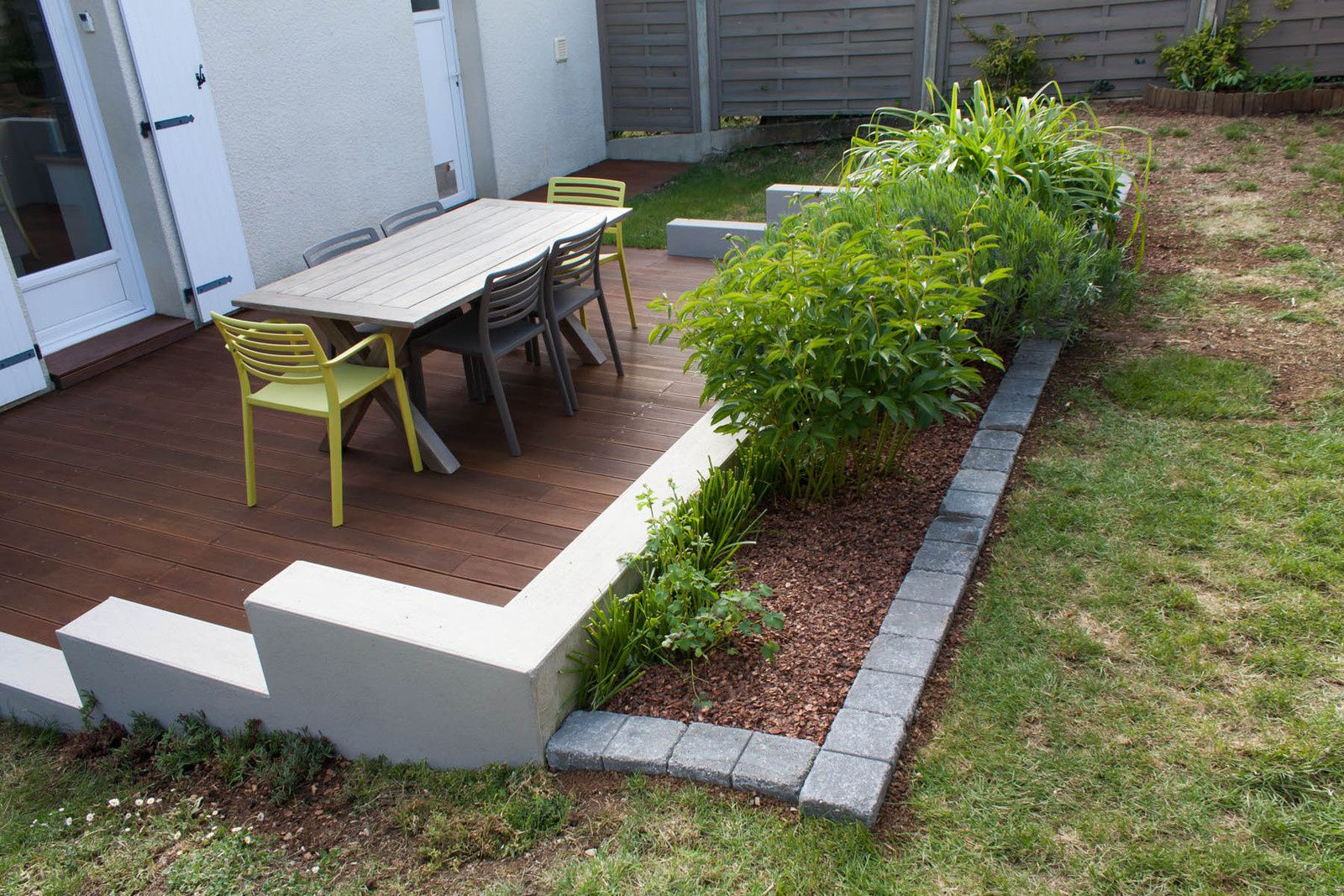 Etag re pour plantes tag re ext rieure tag re balcon for Plante exterieur jardin