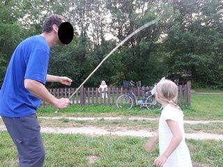 Pêche à la ligne avec une canne de bambou