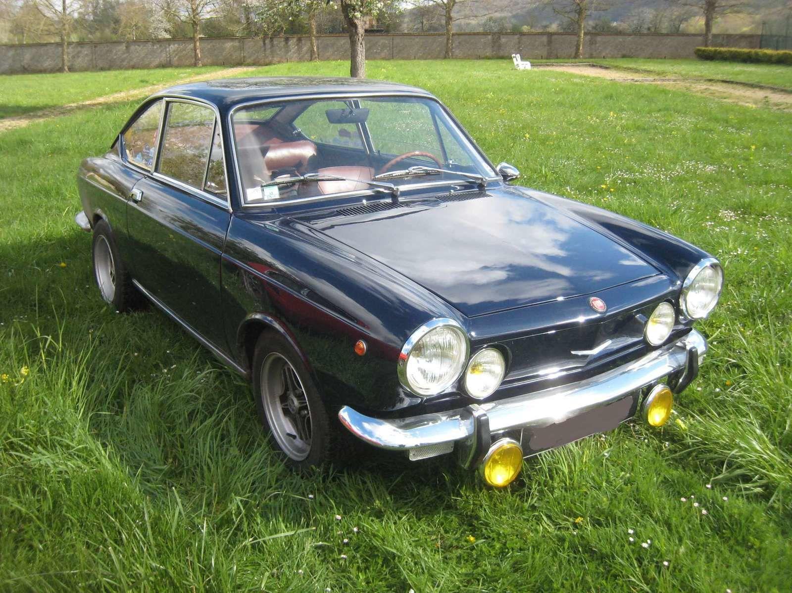 La Fiat 850 coupé de Loïc . Ça me rappelle ma jeunesse ...