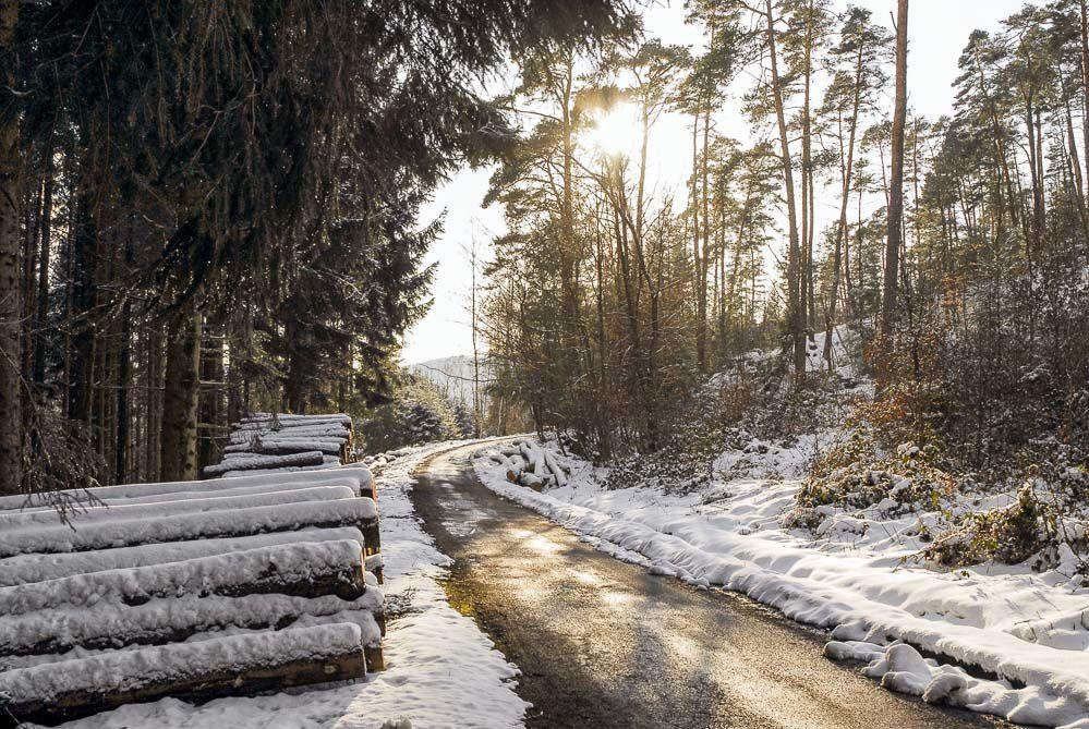 BRUYERES - VOSGES : Dimanche de Pâques 2008 enneigé et balade sur la route de FAYS