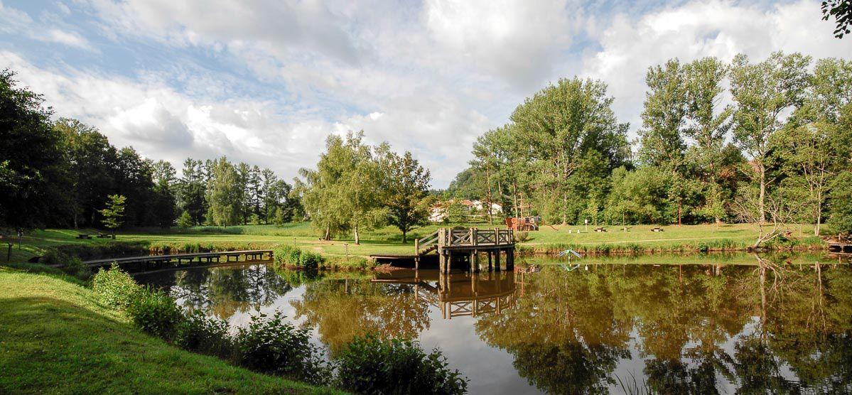 BRUYERES-VOSGES : le Lac de Pointhaie et ses reflets