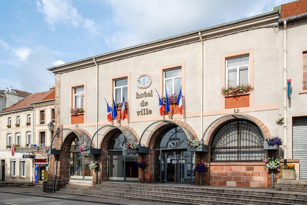 BRUYERES-VOSGES : les services municipaux rendent la ville attrayante