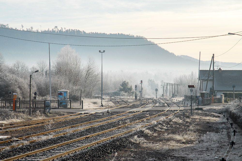 Ces photographies du domaine ferroviaire à BRUYÈRES sont classées par ordre de prise de vue.