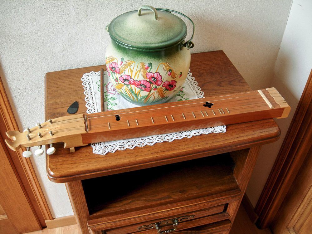 L'Epinette, instrument de musique caractéristique des Vosges
