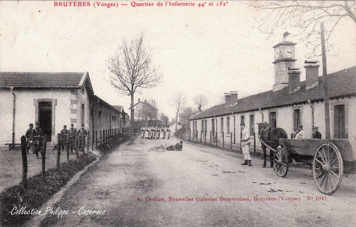 BRUYERES-VOSGES : les Casernes Avenue de Lattre de Tassigny