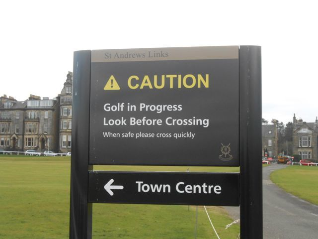 A path crossing the Old Golf course in St-Andrews.