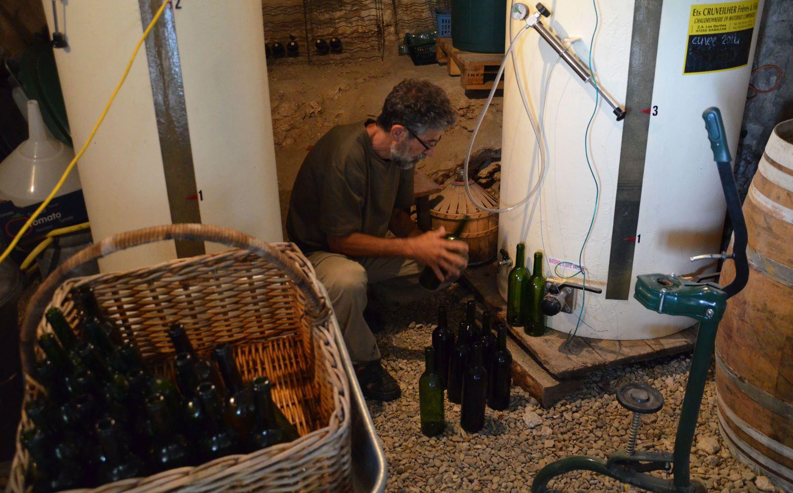 Domaine Les Cyprès - atelier - jardin - vin