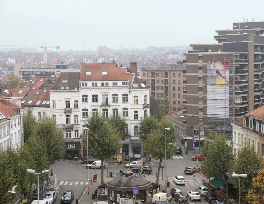 Guillaume Bottazzi : 16m high painting / place Jourdan, Brussels