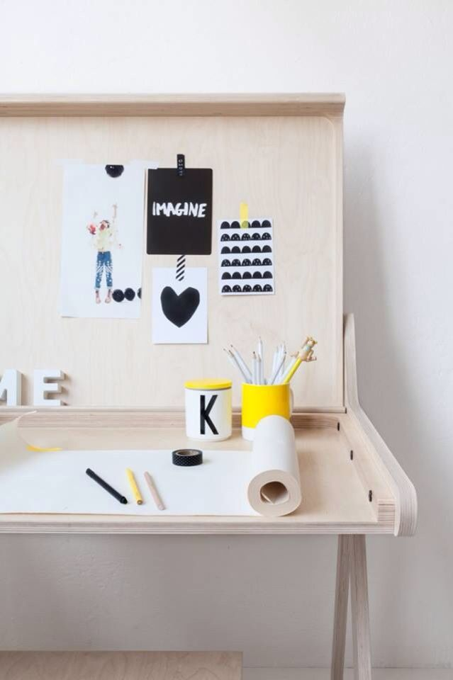 [DESK BY RAFA KIDS]
