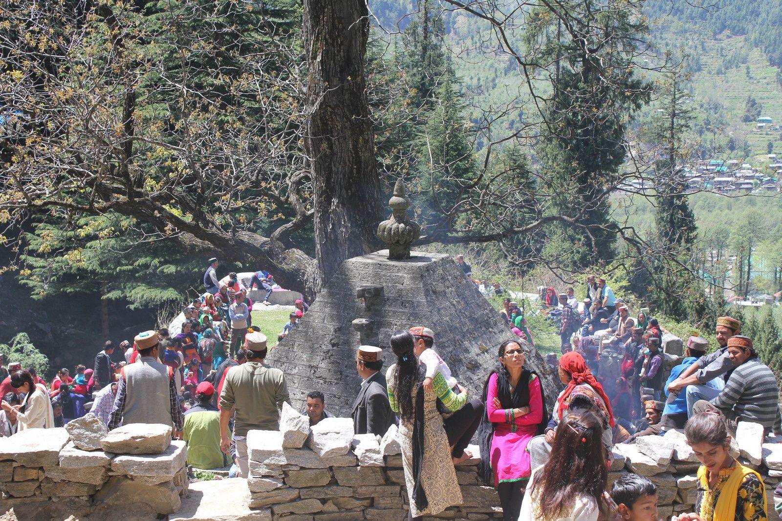 Jogni Falls et temple aux pieds des chutes