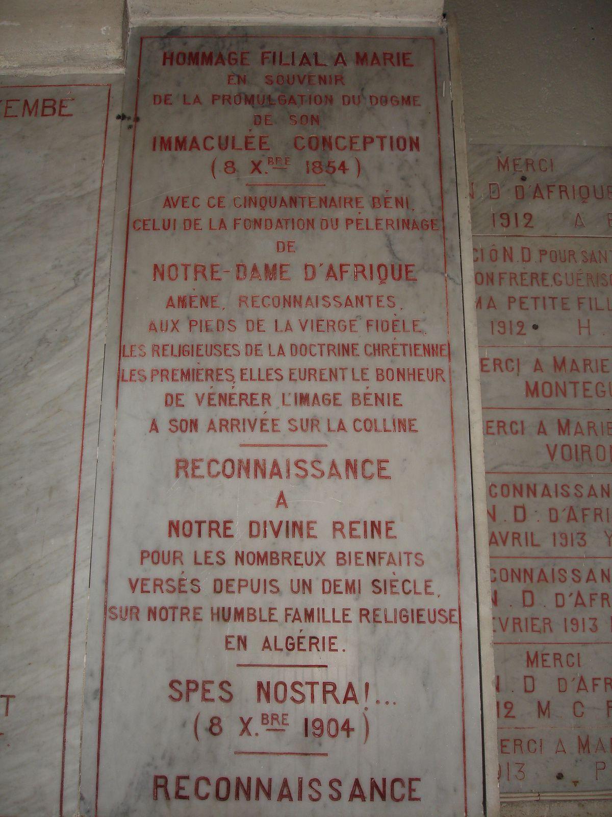 Plaque commémorative des Sœurs de la Doctrine Chrétienne  à Notre Dame d'Afrique à Alger
