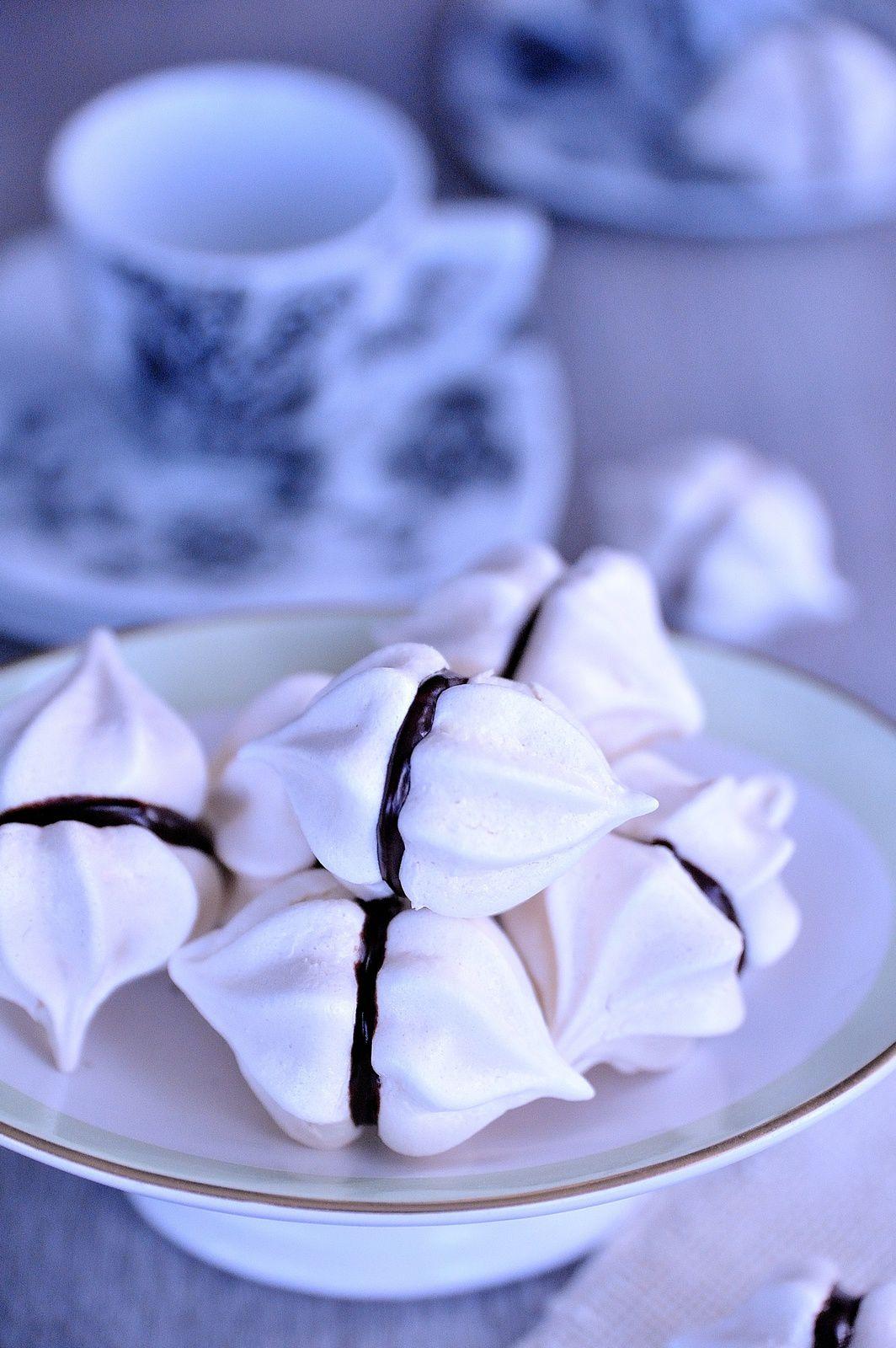 Idées faciles et gourmandes pour les meringues: Eton mess et baisers chocolatés ♥