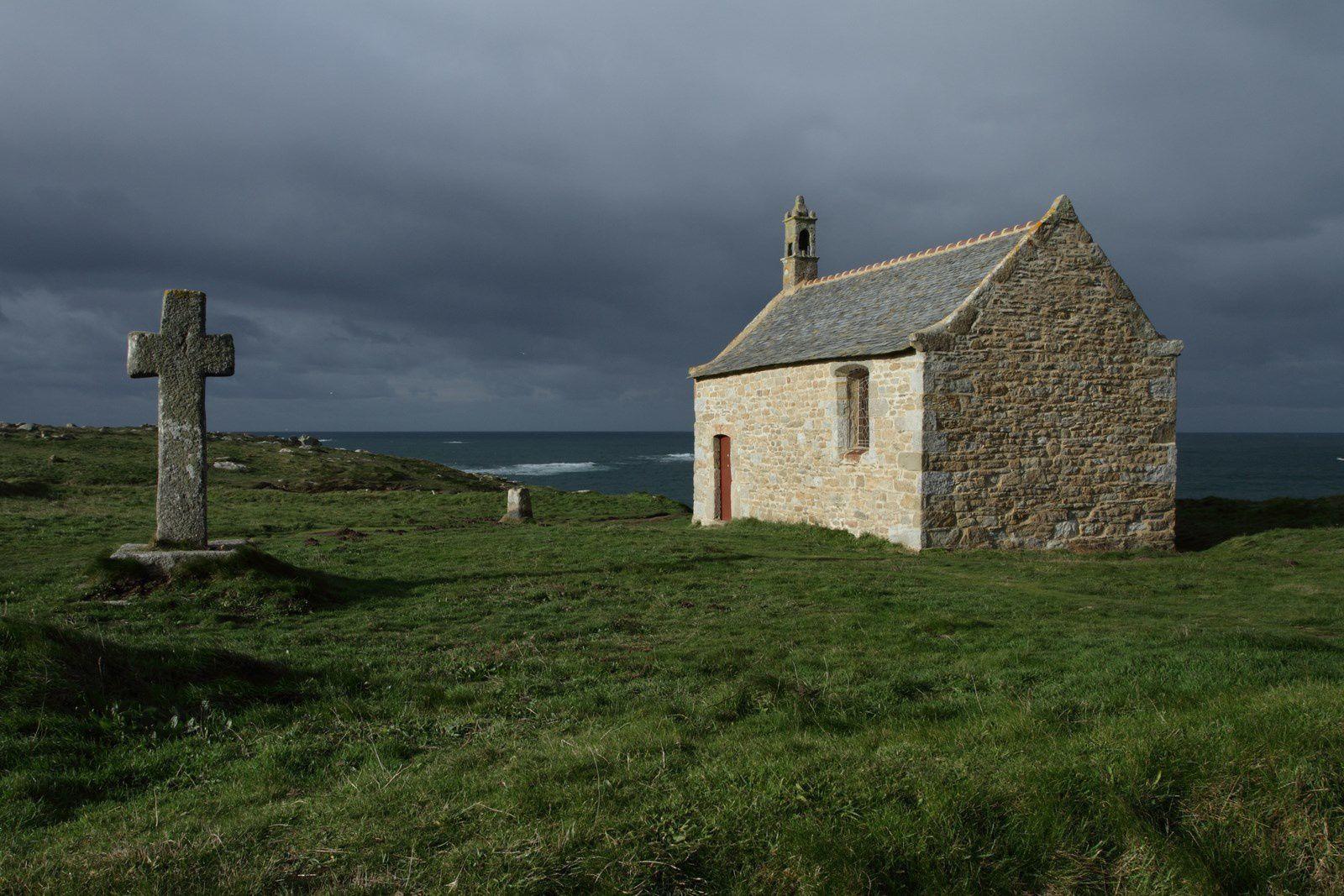 Chapelle Saint SAMSON ... sur la côte du nord-finistère (route touristique de Landunvez)