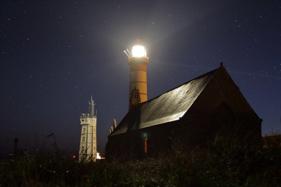 La pointe ST MATHIEU de nuit  (nord finistère)