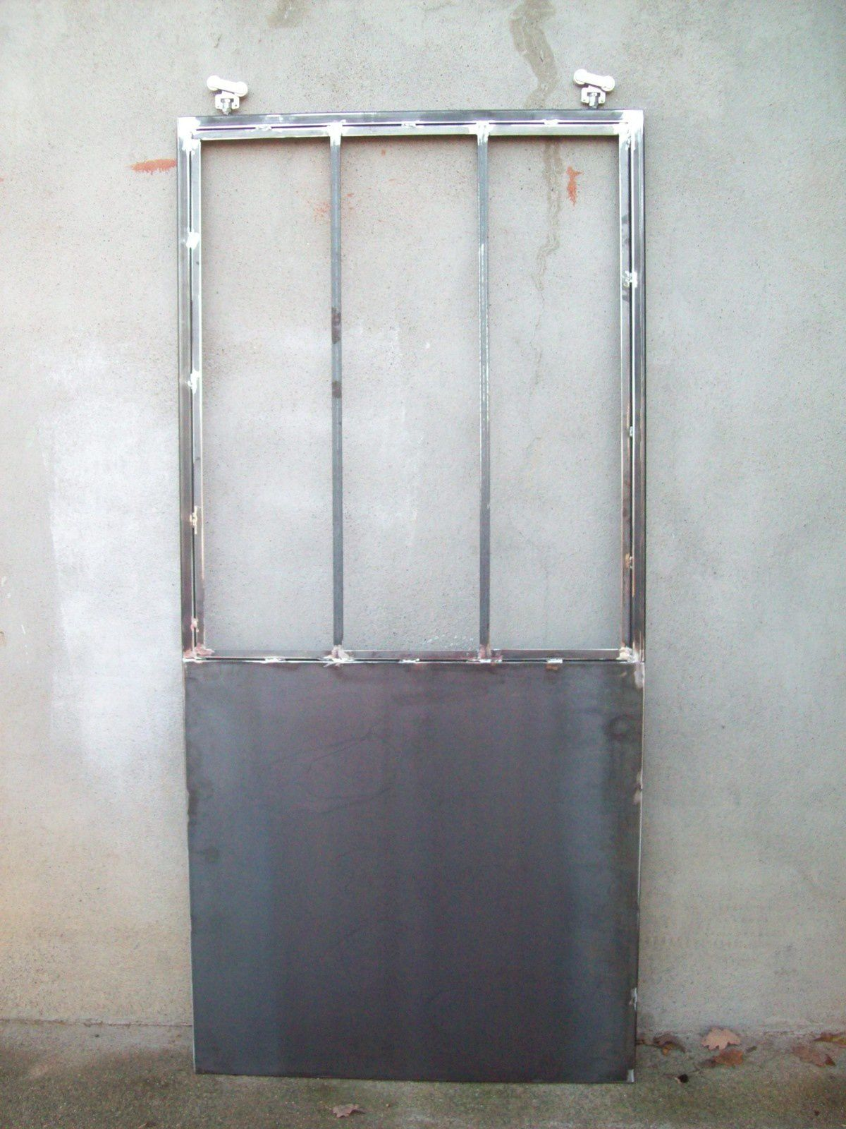 Porte suspendue coulissante 2sae for Porte coulissante suspendu