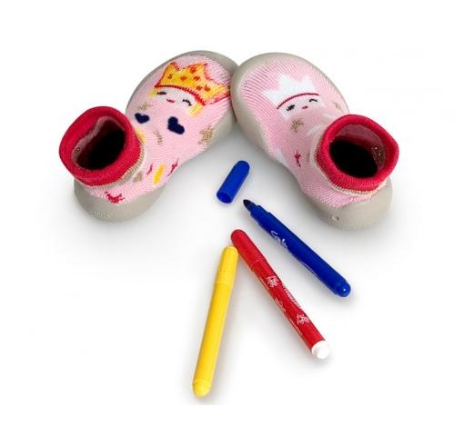 Des chaussons à colorier