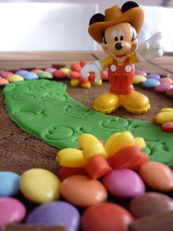Mickey - Gâteau smarties & KitKat