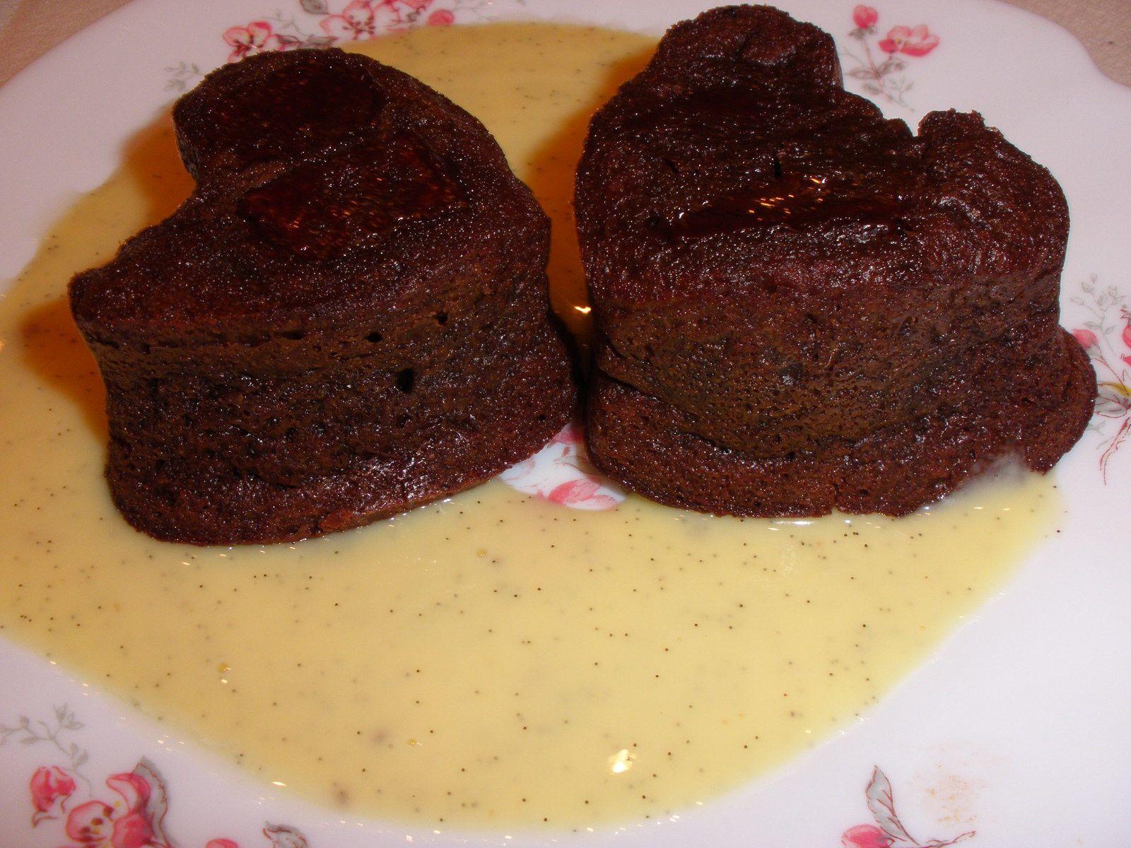 Pour la crème anglaise rapide et allégée allez faire un tour sur mon blog......tapez dans rechercher, crème anglaise et la recette apparait