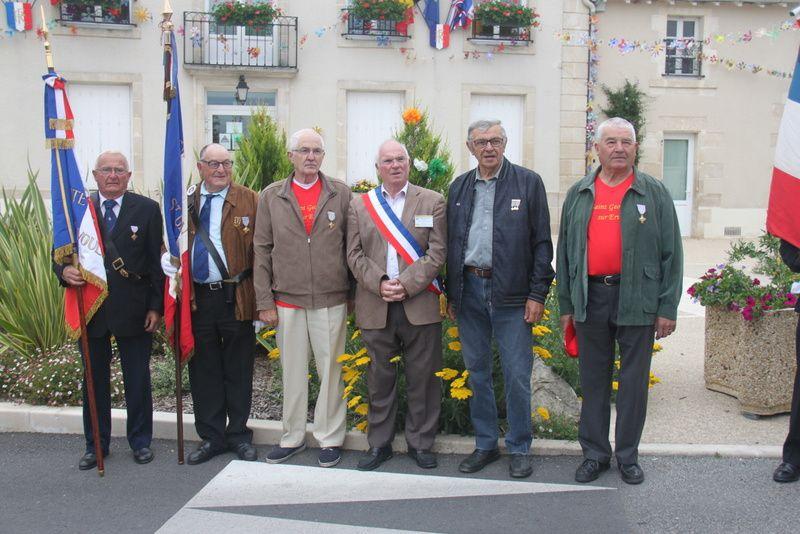 29ème RASSEMBLEMENT DES ST GEORGES DE FRANCE A ST GEORGES LES BAILLARGEAUX (Vienne)