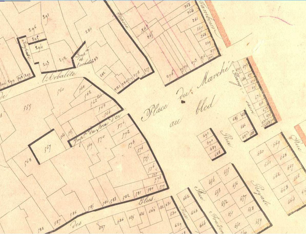 Place des Marchés - Extrait du cadastre de 1819 - source : Archives municipales de Reims en ligne. On peut voir que sur ce plan la rue Colbert n'est pas encore percée, elle ne le sera qu'en 1825 sous le nom de rue Charles X, et ne prendra son nom actuel qu'en 1887