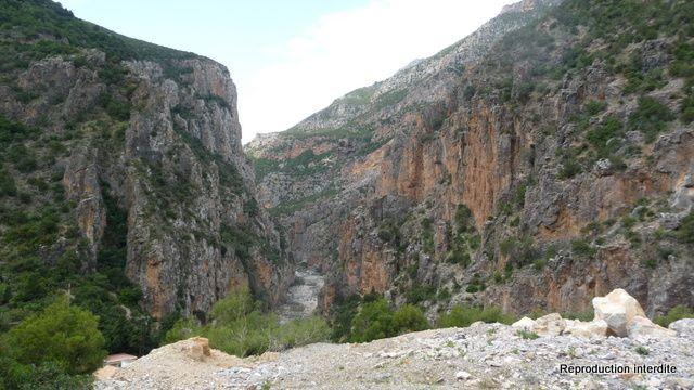 Photos des Gorges de Oued Laou et de l'entrée de la ville.