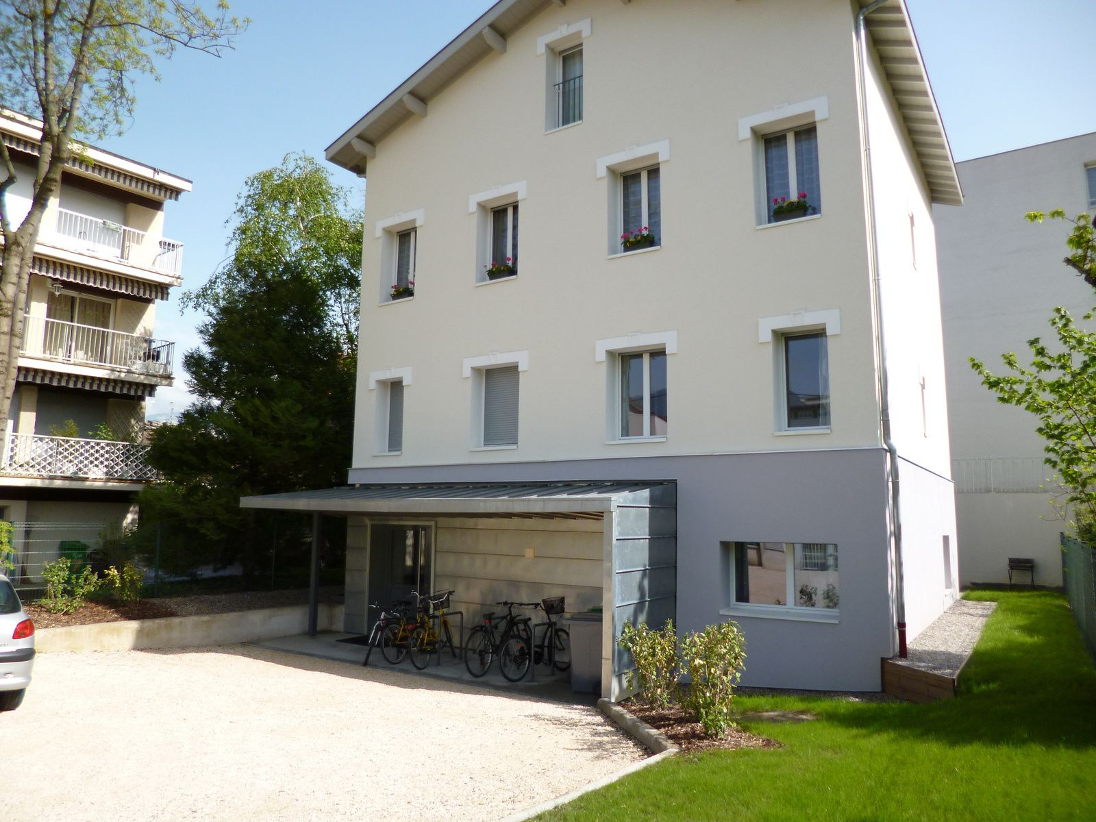 Maison Perreau GRENOBLE Entre Domaine Universitaire Et Centre - Ustensiles de cuisine grenoble