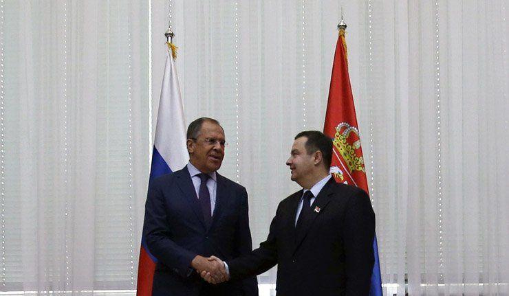 le ministre russe des Affaires étrangères Sergueï Lavrov après des négociations avec son homologue serbe, Ivica Dacic