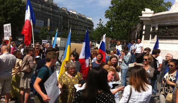 Manifestation à Paris pour la paix en Ukraine