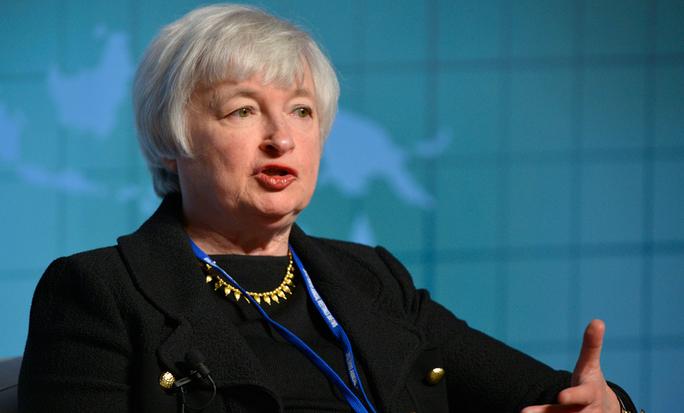 Janet Yellen veut rester à la Fed malgré les critiques de Trump
