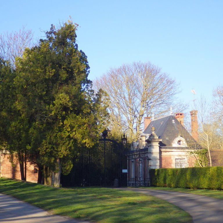 Entrée du Chateau de Wideville