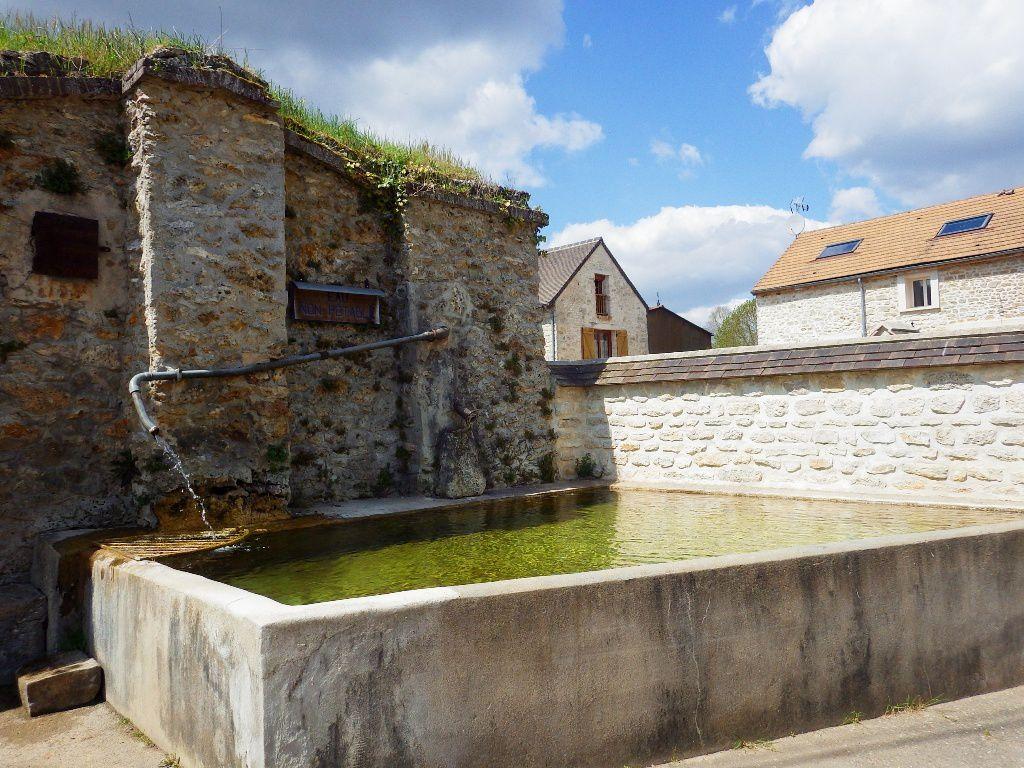 Ce bac d'eau non potable est situé à Jumeauville également.