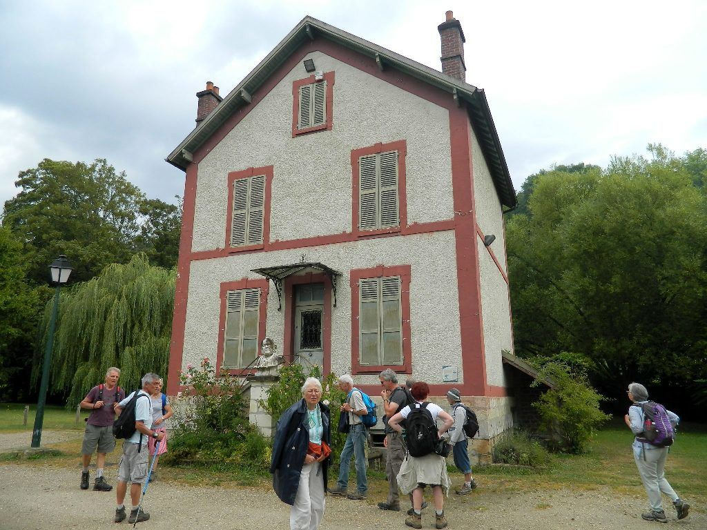 Villa du caricaturiste DAUMIER où il est décédé en 1879.