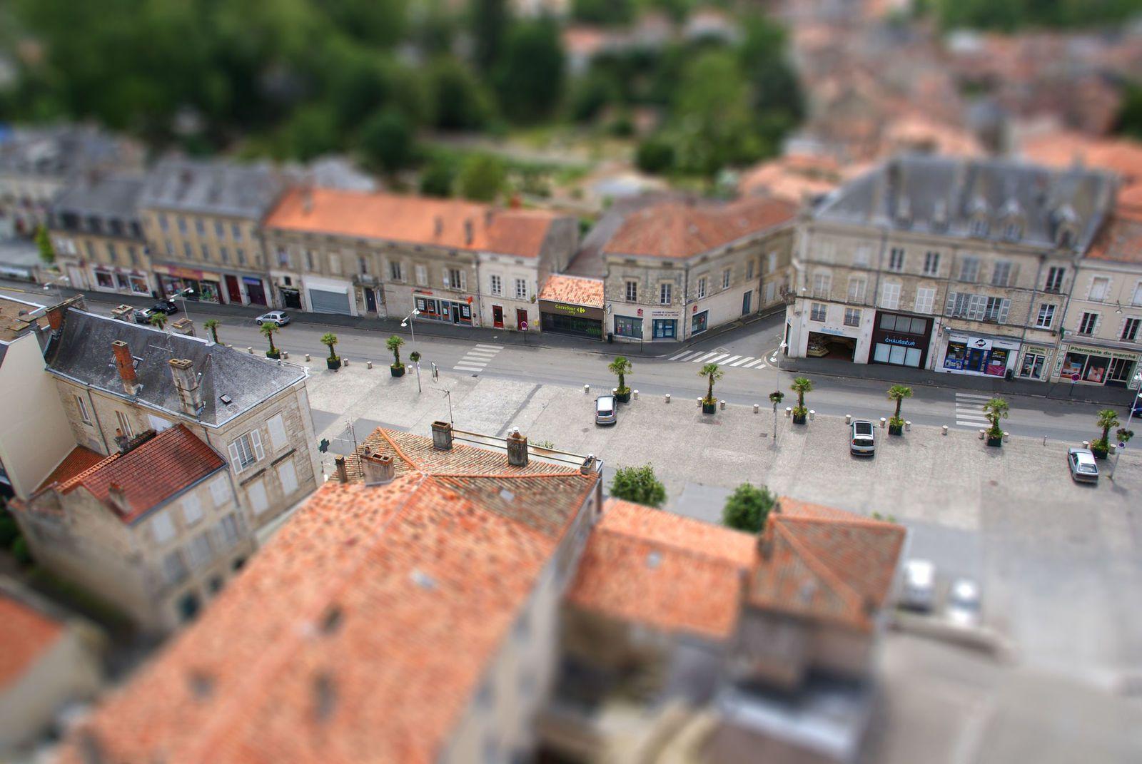 Places du 137e, Marché aux Herbes et Thivercay : debut des travaux