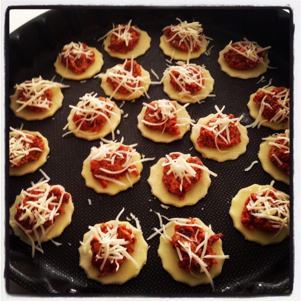 Mes petites pizza apéritives au chorizo... Un délice pour l'apéro !