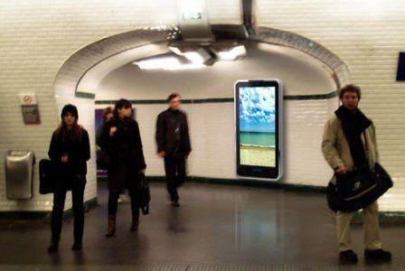 Caméras et téléphones : plus que jamais, la publicité s'apprête à nous surveiller